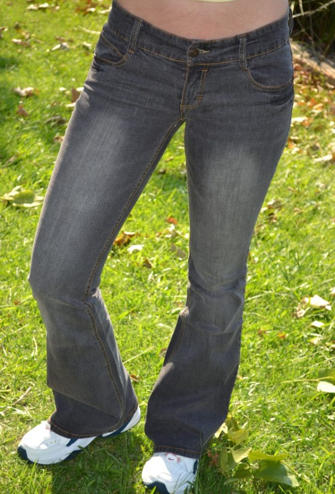 Hipster stretch flares front